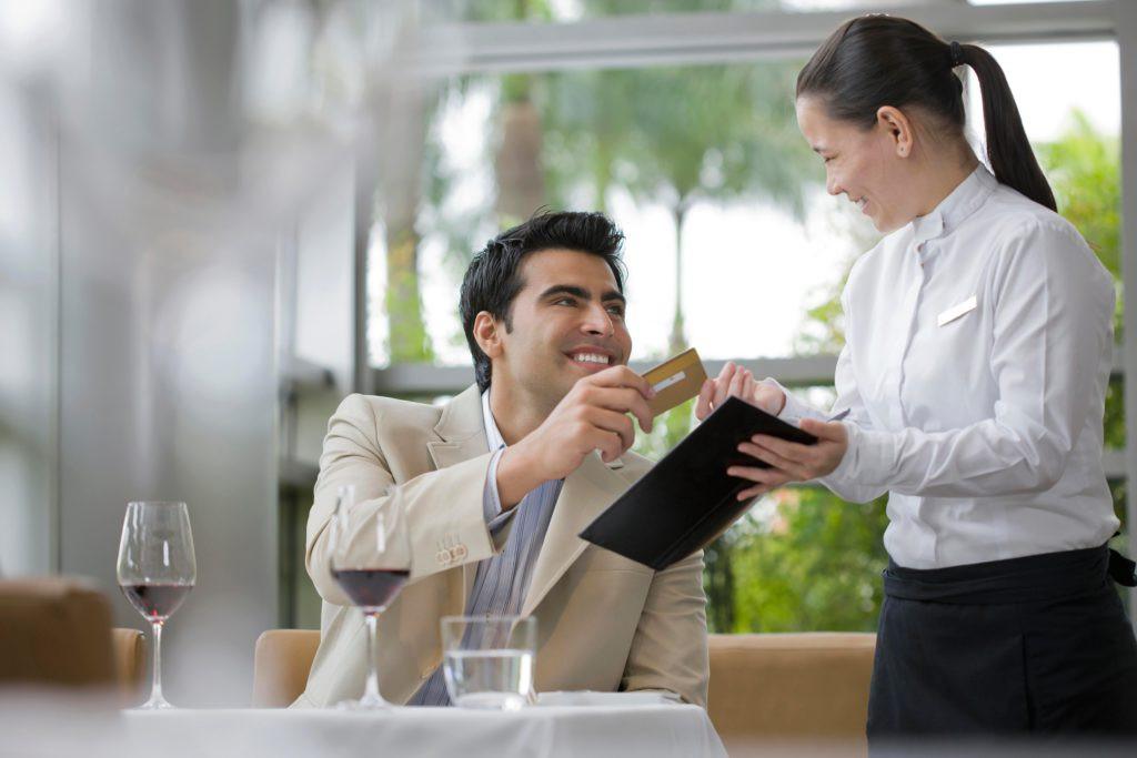 Если Вы являетесь постоянным клиентом Кафе Шарманка Вы можете попросить заполнить анкету гостя у Администратора.Первоначальная скидка составит 10% на всё меню и бар, далее, если Вы становитесь частым гостем заведения, то по усмотрению Администрации Ваша скидка может быть увеличена до 15, а то и до 20 процентов! Ждем Вас!